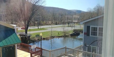 Binnekill Views Apt.1 in the Catskill Mountains