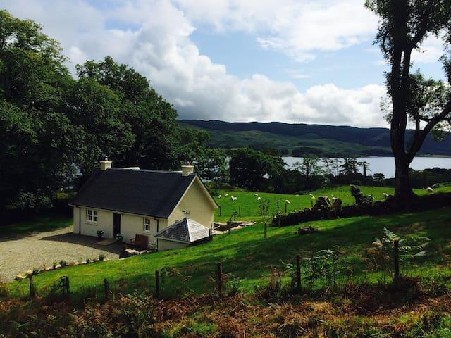 Romantic hideaway cottage for couples