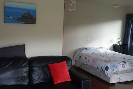 Cosy unit close to the beach - Kuaotunu