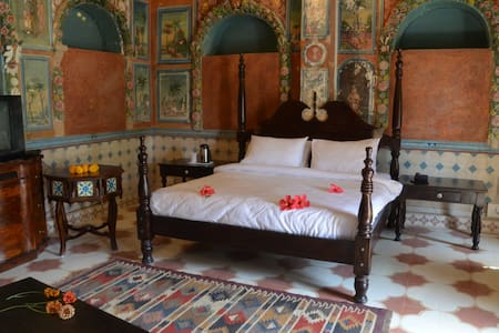 Heritage Room in a 1920s Haveli - Churu - Villa