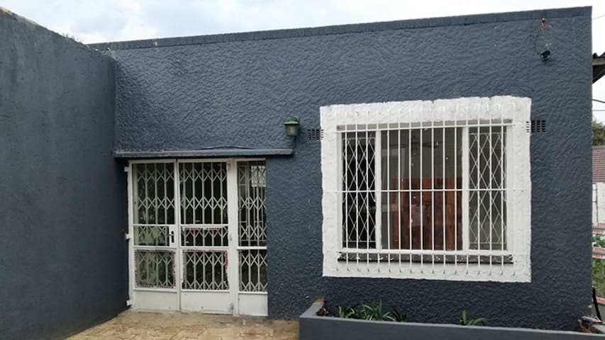 Cottage for rent  at Montgomery Park (Northcliff)