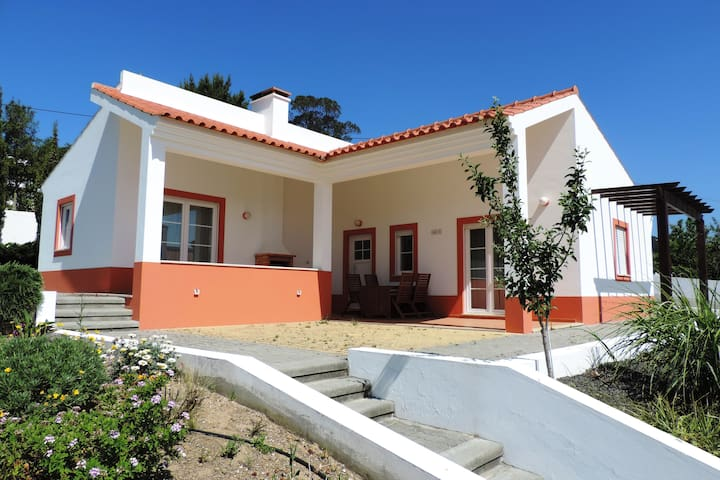 Ruim en rustig vakantiehuis met zwembad (12196/AL) - Cela - House