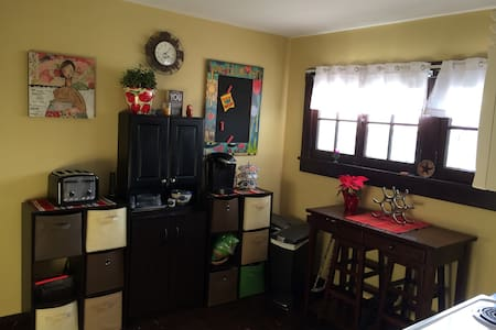 Private 2nd floor space with 2BRs! - Jeffersonville