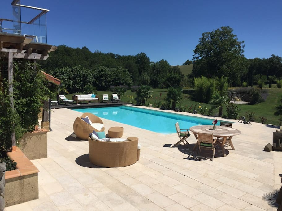 14m Pool with sun-loungers