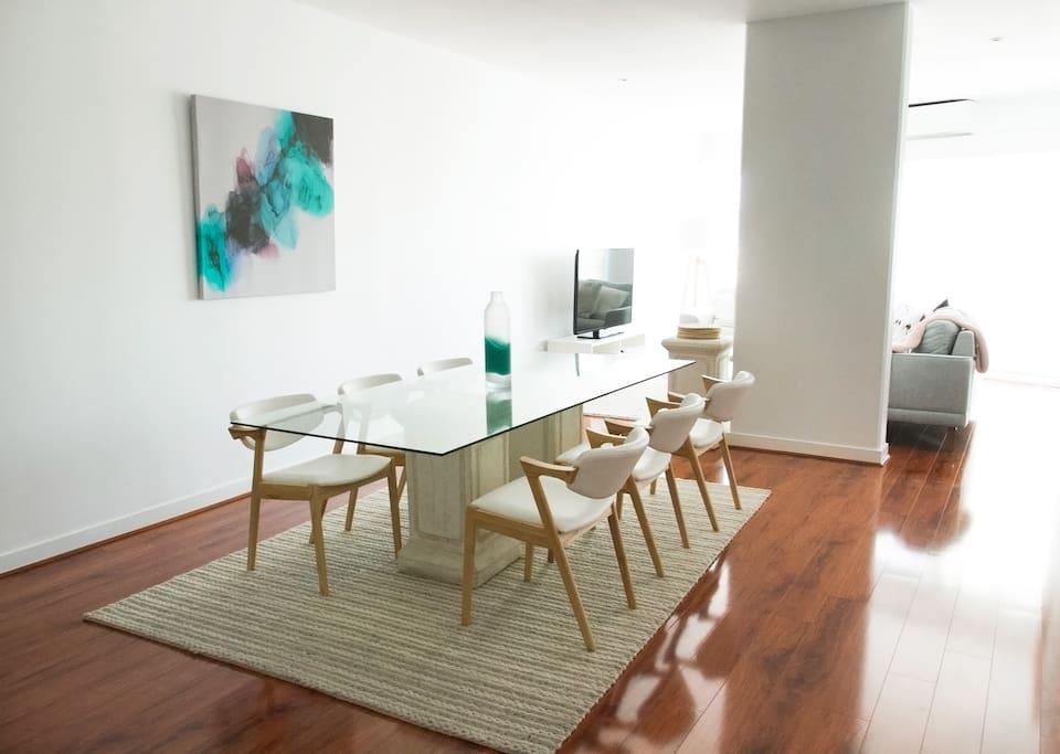 Open plan living/dining