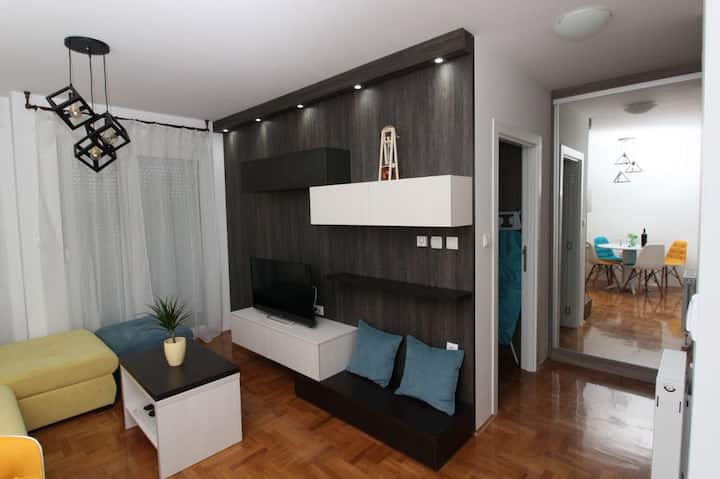 Charming Apartment, Top Stay Novi Sad :)