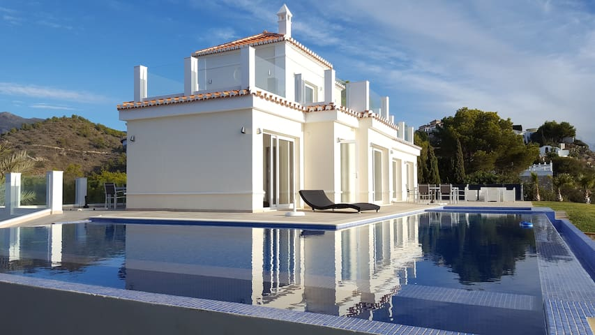 Villa with 2 bedrooms & 1 suite - sea view - Almuñécar - Villa