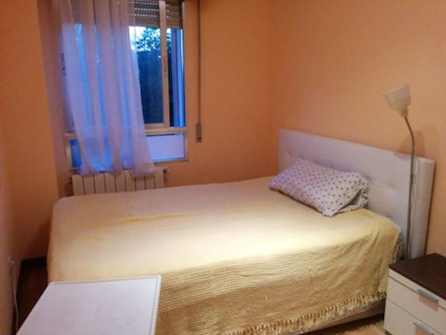 Nice and comfortable room, totally furnished. - Madrid - Apartment