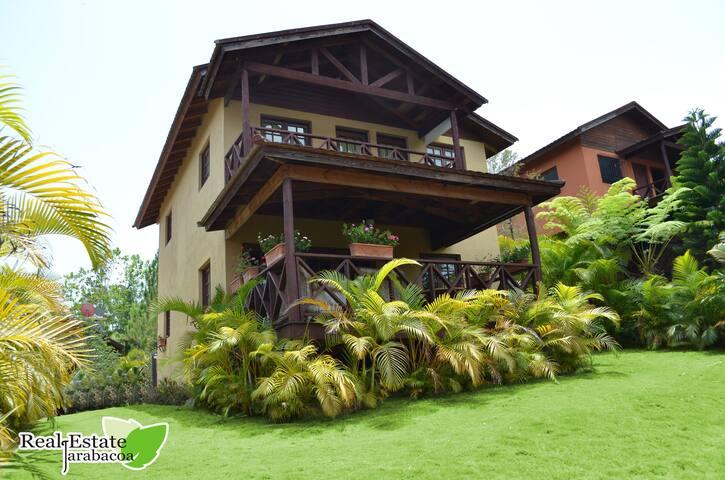 Villa Avenida La Confluencia V - Jarabacoa - House