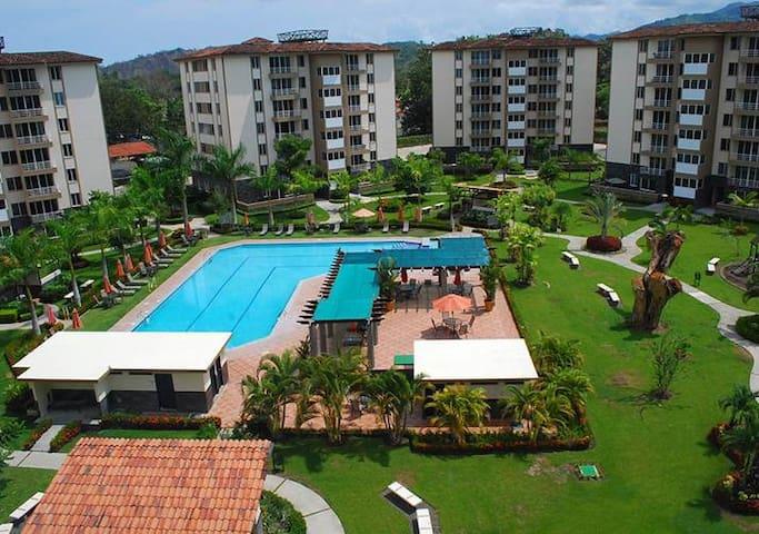 Best Jaco Condo, 2 Bed-2 Bath, Pool, Balcony, Park