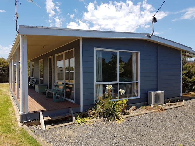 Quiet beach house getaway - Phillip Island - Huis