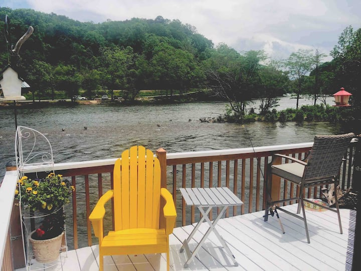 Riverside Mountain Home Away from Home
