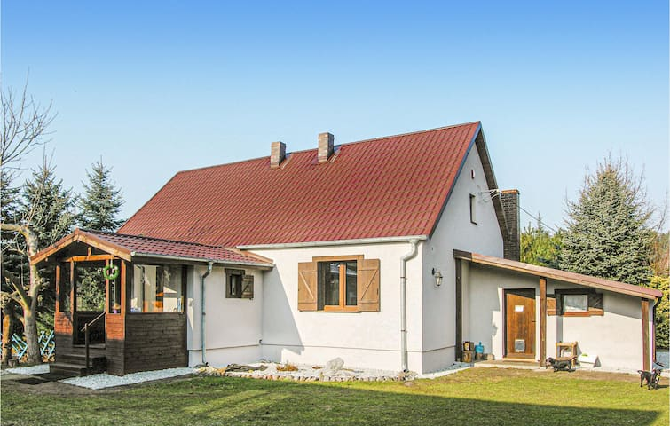 Stunning home in Wronki with Sauna, WiFi and 2 Bedrooms
