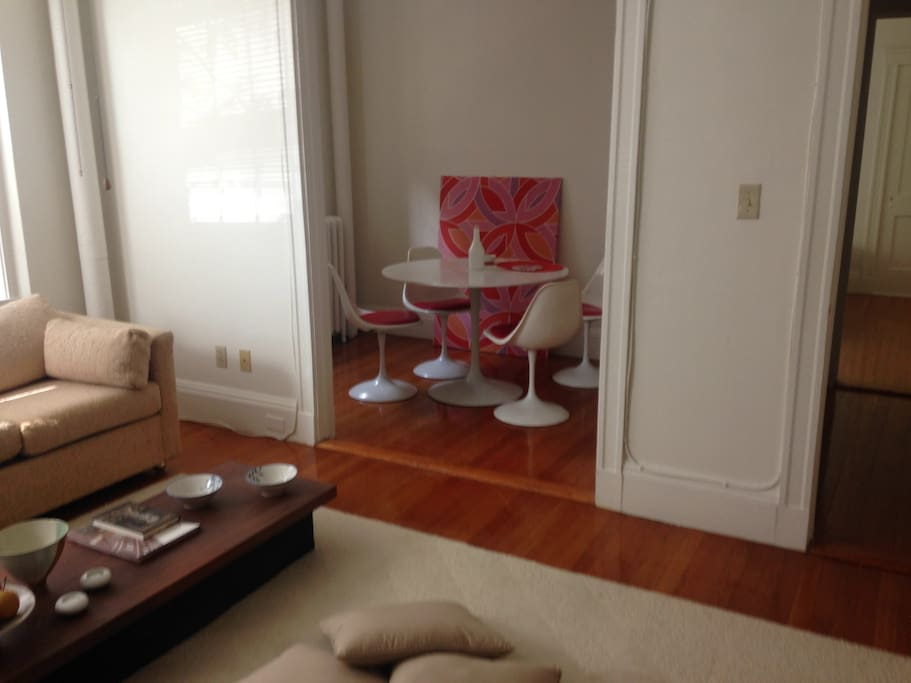 A Spacious One Bedroom Apartment Apartments For Rent In