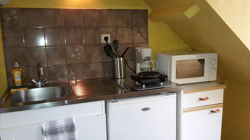 Rennes= appartement 2 personnes= 2ème étage