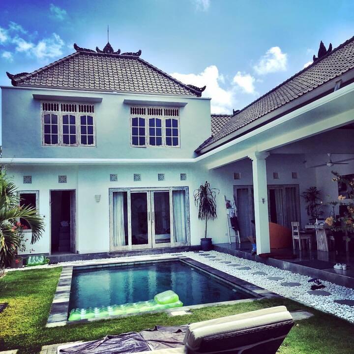 Promo Luxury 3 Bdr Villa Seminyak Center Villas For Rent In Seminyak Bali Indonesia