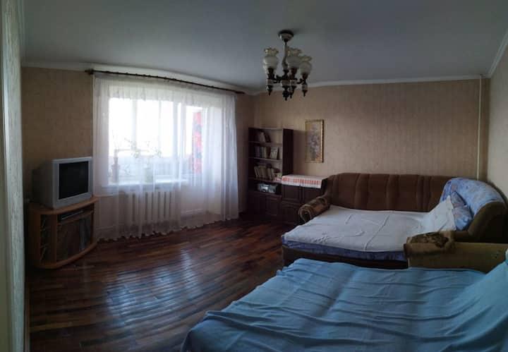 Прохладная и уютная, домашняя квартира у моря)