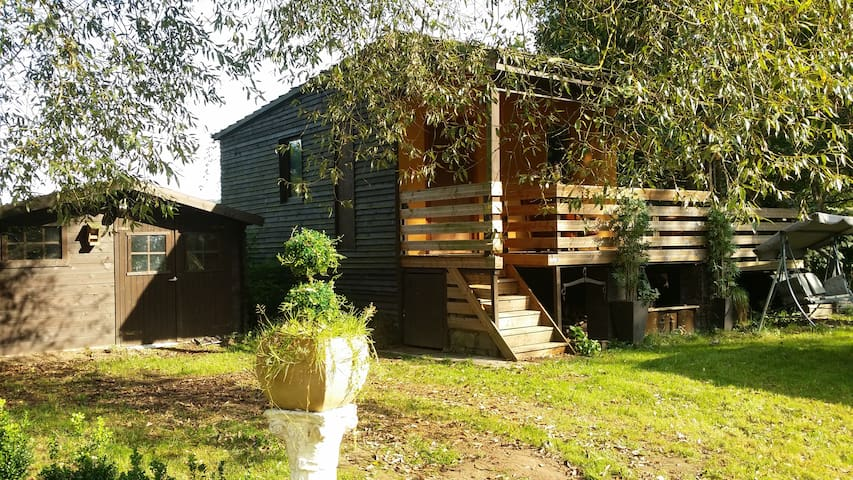 Very Pretty Cabin in Paradise, River/Nature Park ! - Esneux - Chalupa