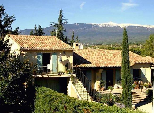 Relaxing Provence retreat - hike, bike, drink wine