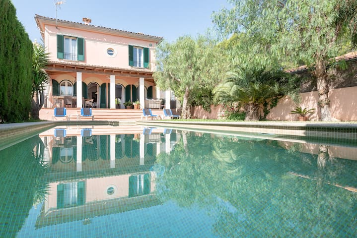 PLAYA DE PALMA, VILLA VERY CLOSE TO THE BEACH !!