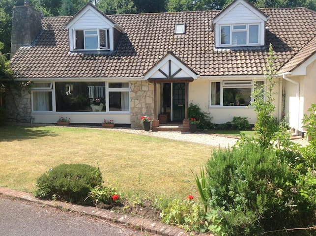 LARGE 5 BEDROOM HOUSE IN HAMPSHIRE - Liphook - Ev