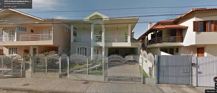 Quartos Florianópolis 3 (Rooms Florianópolis 3)