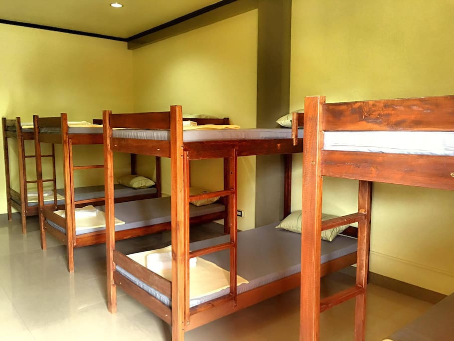 4 bunk beds available exclusive for Women