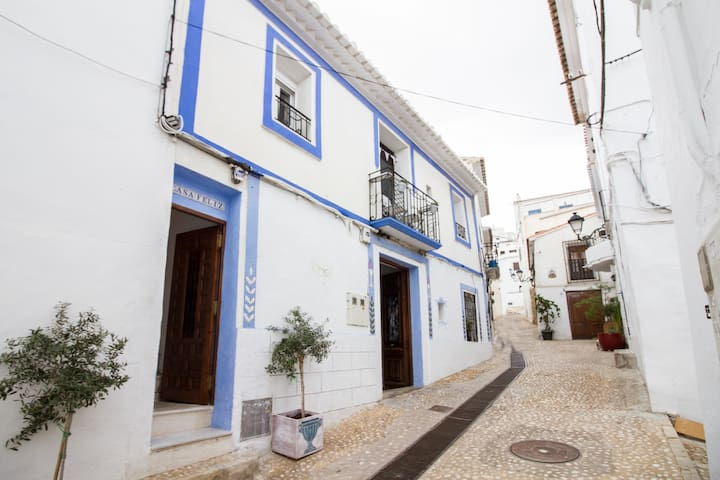 Casa Feliz..right by the beach - Altea - Hus