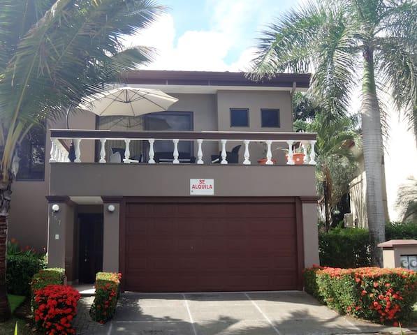 HERMOSA PALMS - 3 BED HOUSE - Playa Hermosa - Casa