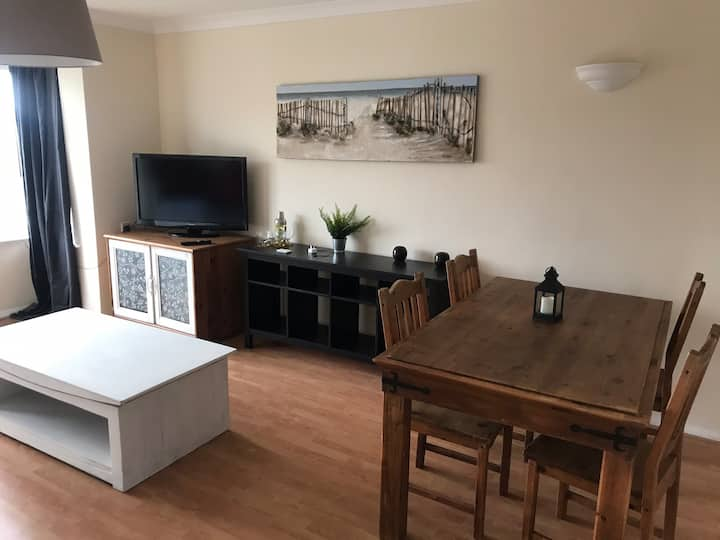Gorgeous recently refurbished two bedroom flat