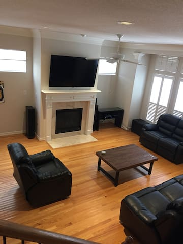Town Home Available SuperBowl Week! - Houston - Casa a schiera