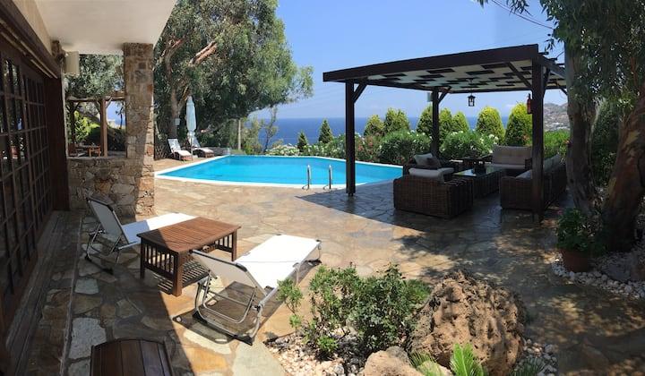 Luxury villa with stunning panoramic sea view