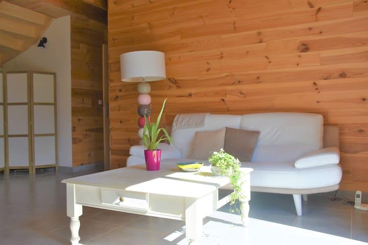 Belle maison en bois près de Sommières (Gard)