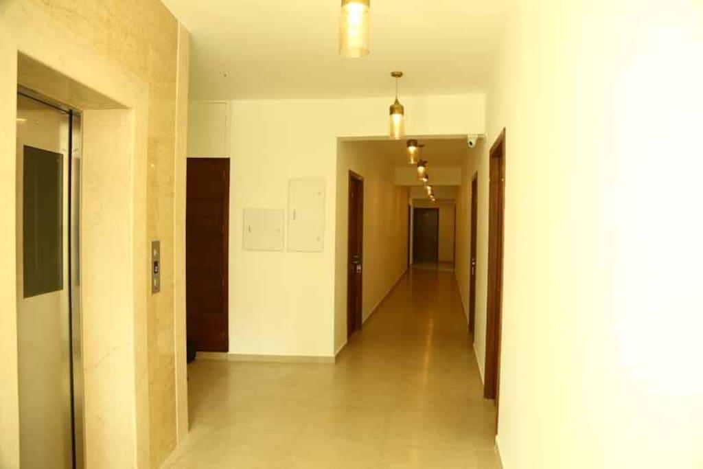 Floor corridor to the rooms