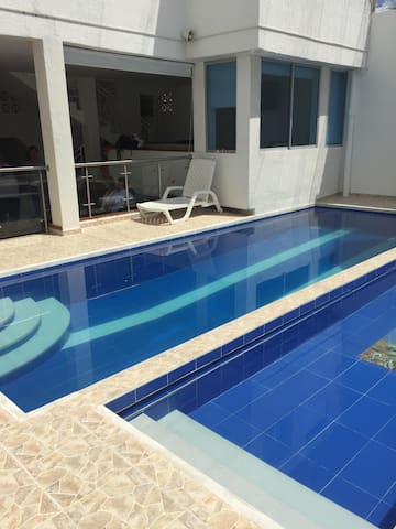 Casa completa con piscinas privadas | Pet friendly
