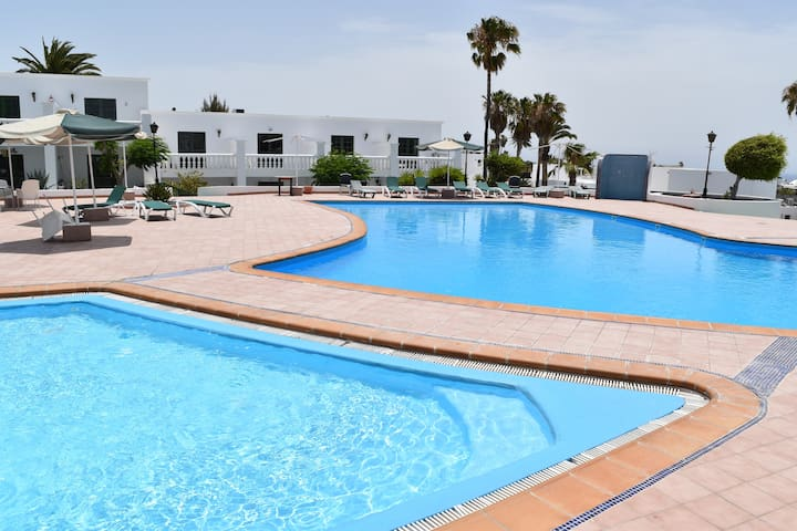 Puerto del Carmen - New Apartment by the pool