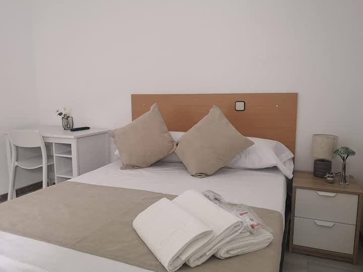 Habitación privado baño compartido Arturo Soria