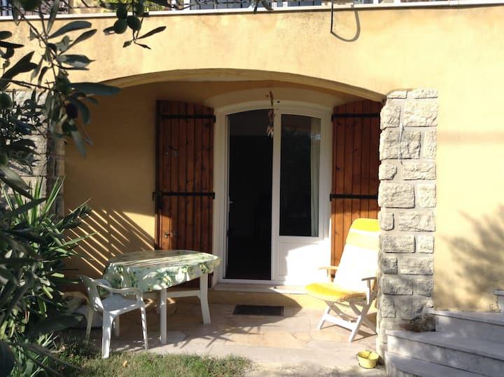 Studio en RdC de villa