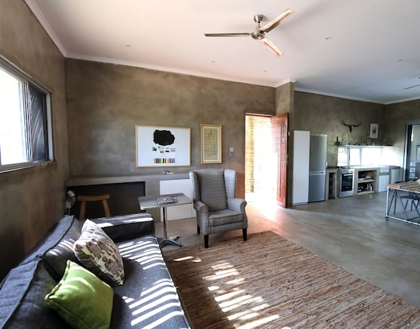 Nextdoor Kruger Lodge - Marloth Park - Rumah