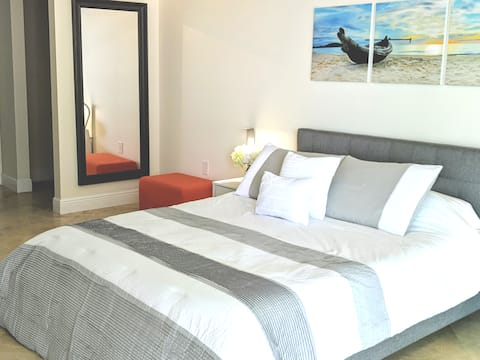 Fully Renovated One Bedroom Apartment @ The Club