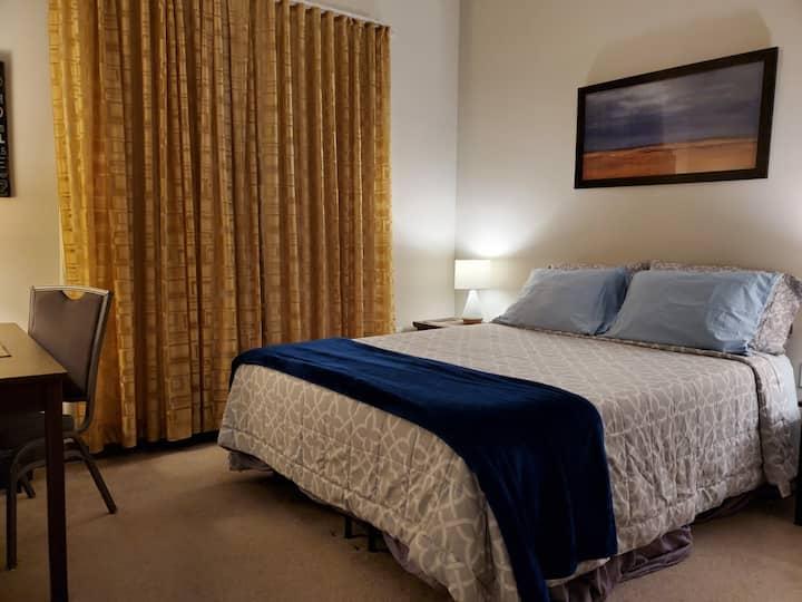 Relaxing suite near metro, shops, NIH, NCI & NIST