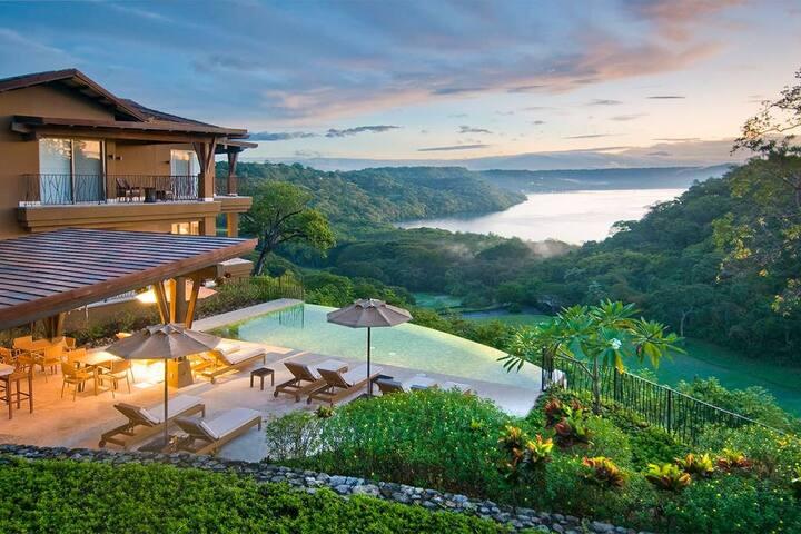 Luxury Living at Peninsula Papagayo Vista Hermosa