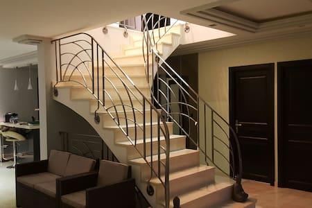 1 chambres d'hôte à 20 mn de Paris - Ormesson-sur-Marne - Σπίτι