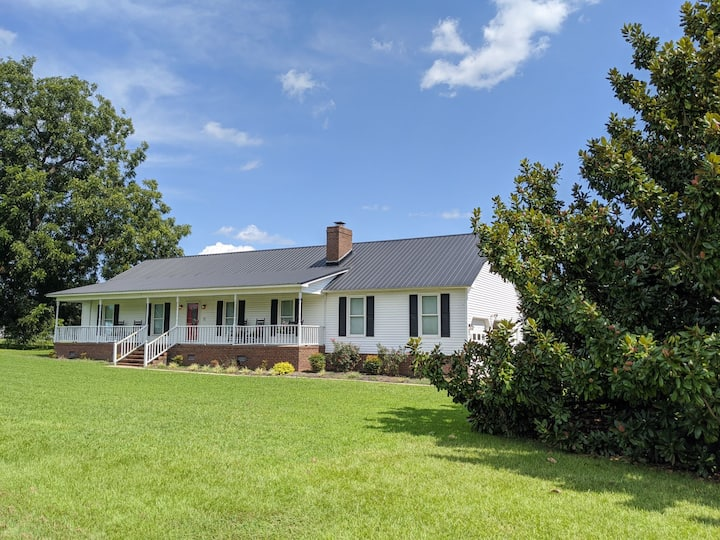 Southern Mama's Magnolia Manor