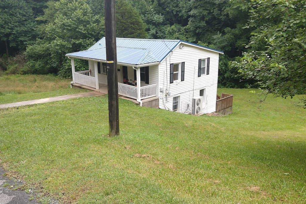 House sits on 1 acre lot