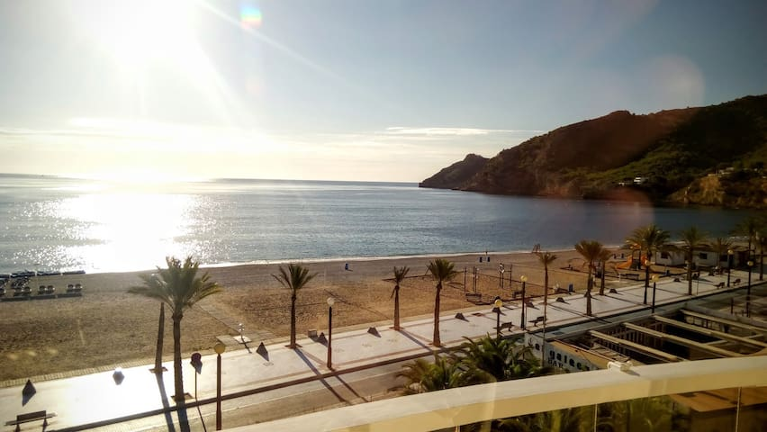 Albir best apartment seafront beach amazing view!! - Albir - Apartament