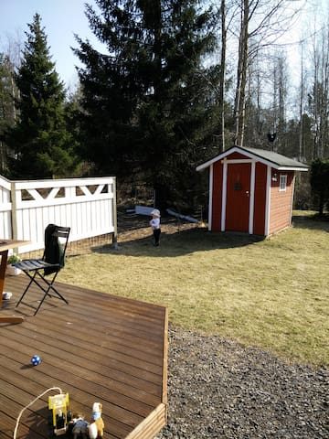 Bright 2BR rowhouse apt with SAUNA and backyard - Oulu - Apartemen