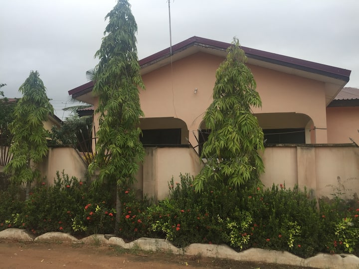 Single room,a double bed in the outskirts of Accra