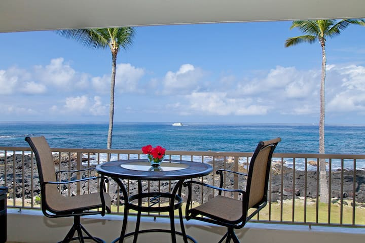 Kona Reef Oceanfront Luxury- Perfect Location!