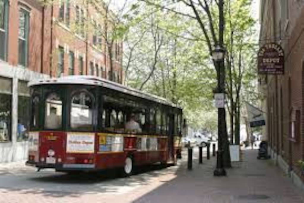 Trolley Ride in Historic Salem